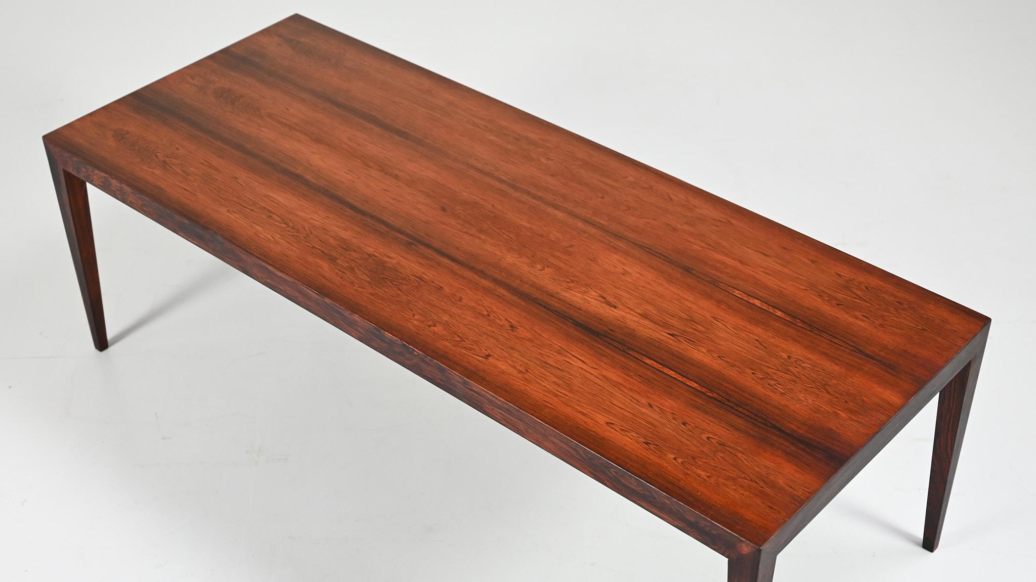 Minimalist coffee table by designer Severin Hansen Jr for Haslev Møbelsnedkeri A/S