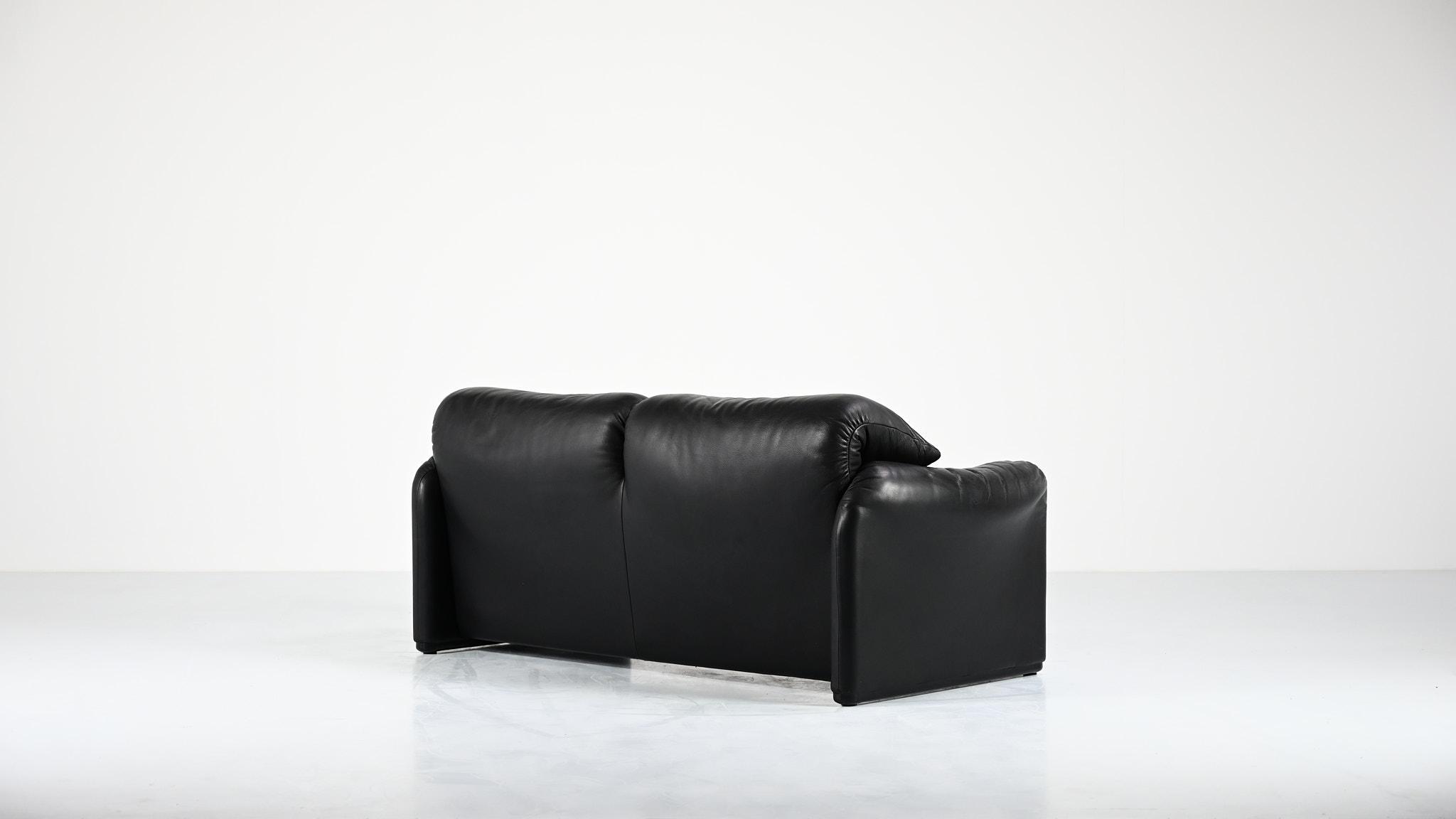 vico magistretti 675 maralunga black leather cuir noir cassina